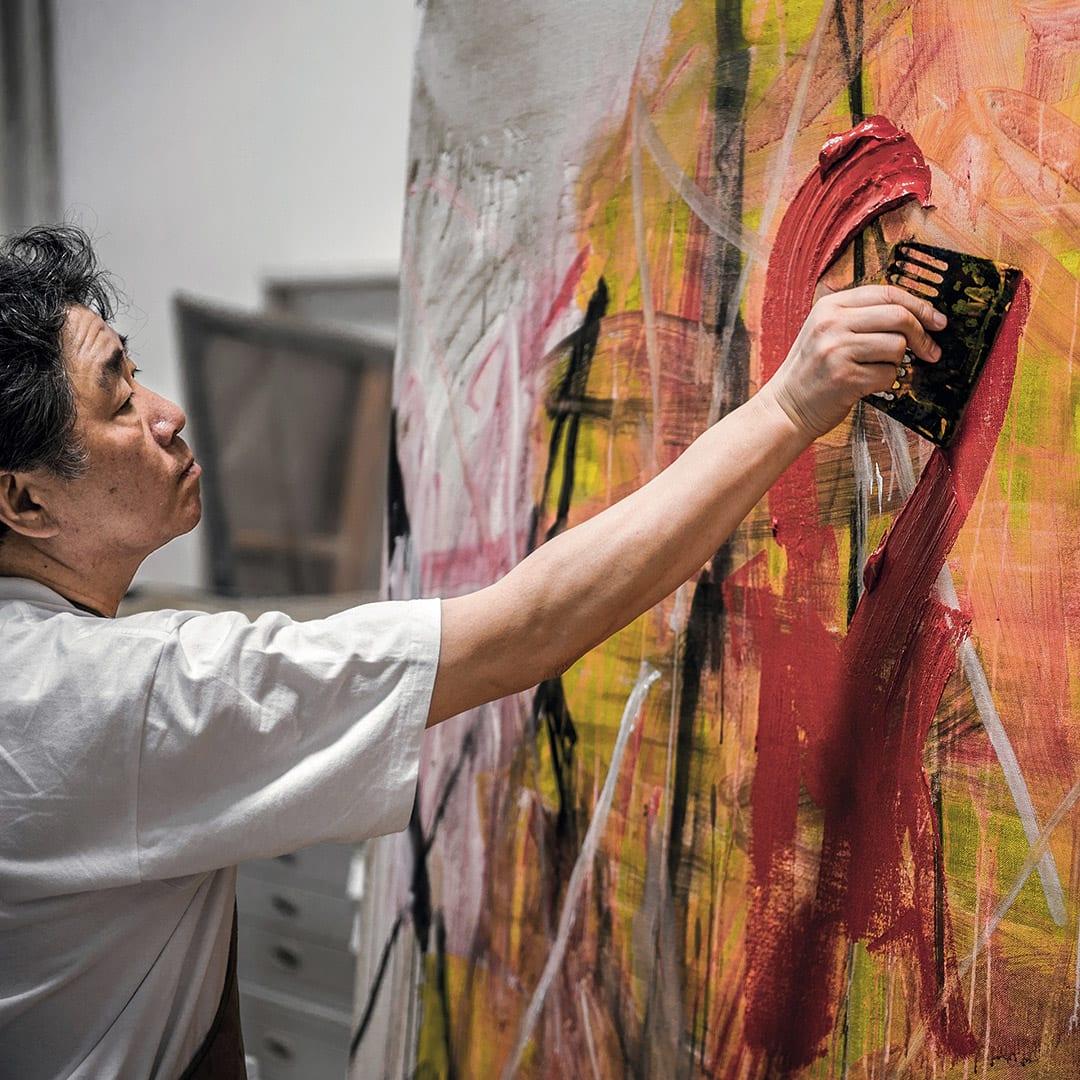 tan-ping-painting-in-his-studio