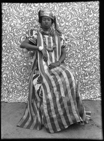 Monsoon art collection – Seydou Keïta's Untitled