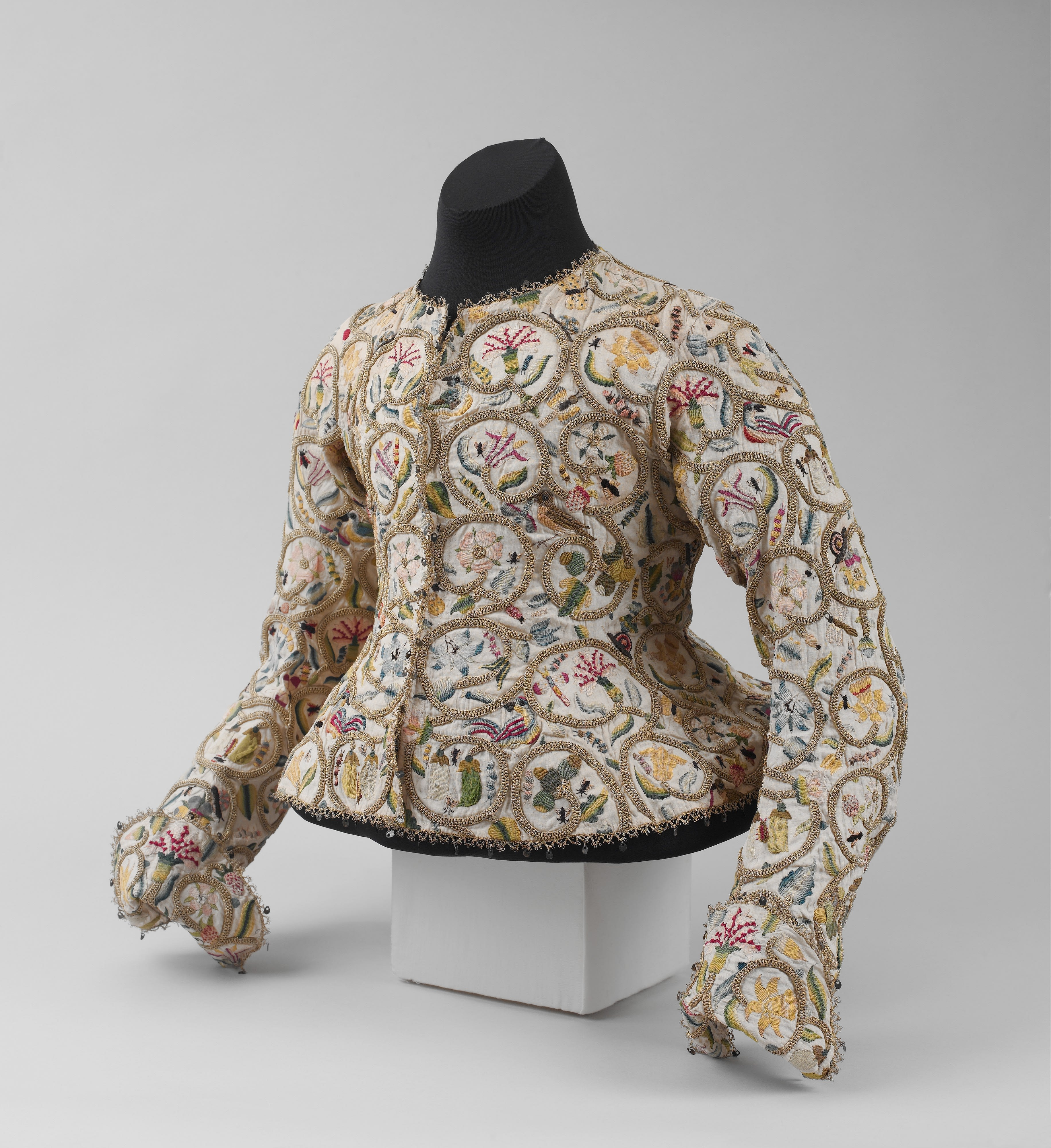 British embroidered jacket from circa 1616, copyright: Metropolitan Museum of Art, New York