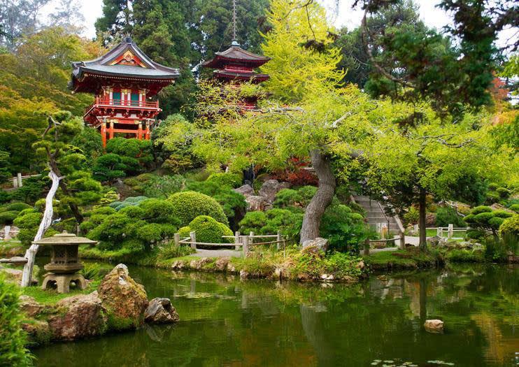 Near de Young, Tea Garden