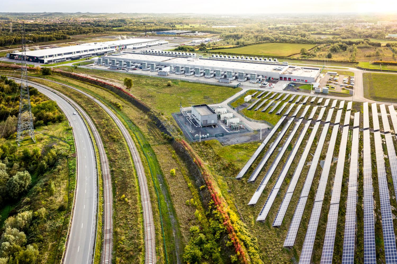 Google solar field at the St. Ghislain, Belgium data center.  Image courtesy of Google.