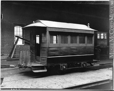 Le tramway peint par Duncan est identique, sinon très similaire, au tramway de la MCPRC à cet époque.