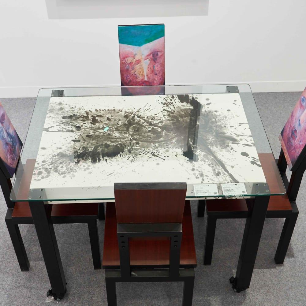 Alixe Fu 傅慶豊, A Table of Hybrid Portraits , 2018
