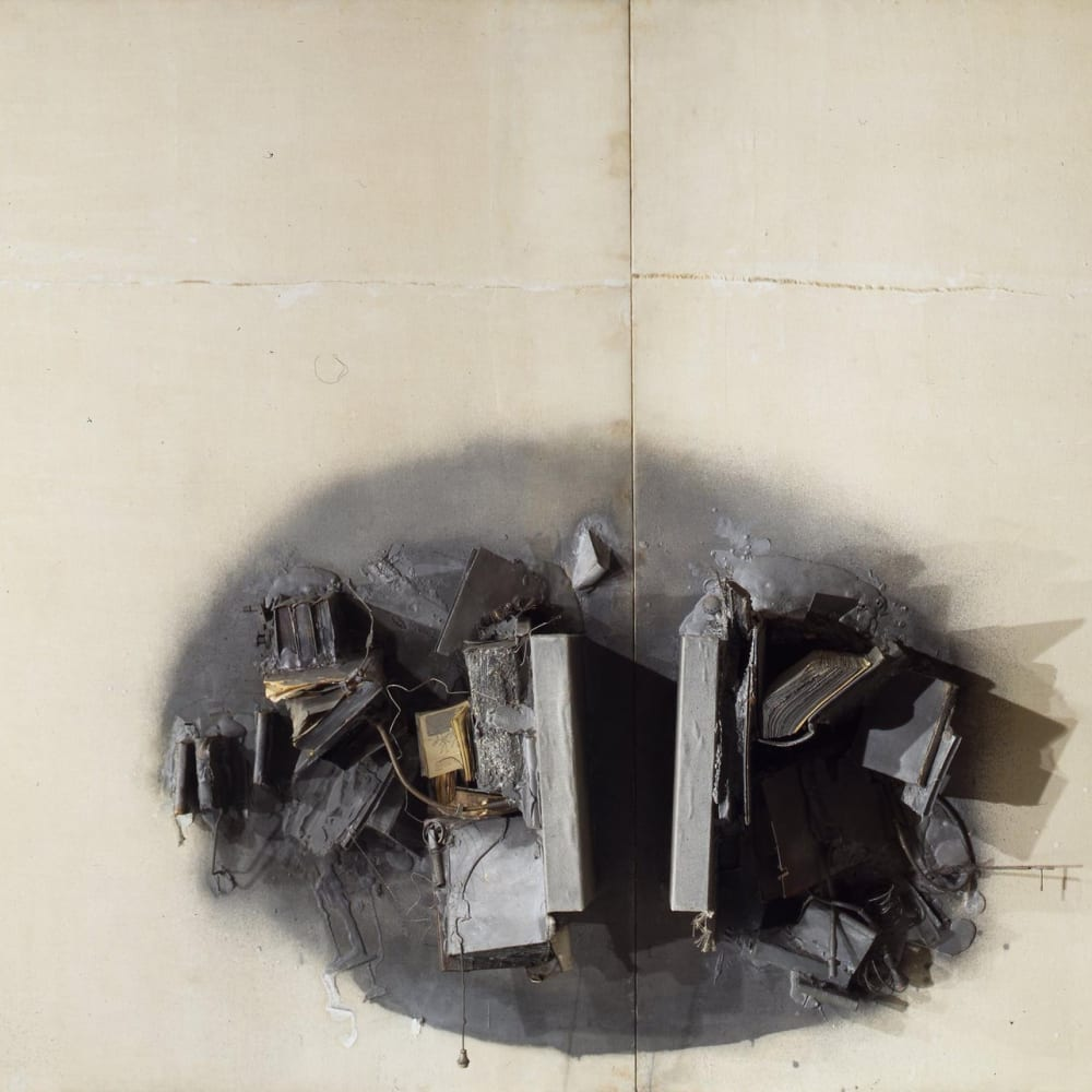 John LATHAM  Great Noit, 1962  Logs covered with canvas, books, wires, leather wallet, machine fragments, springs, plaster on canvas on hardboard  327 x 383.5 x 40.5 cm