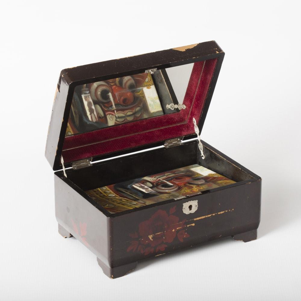 Jaco van Schalkwyk, Barong, 12,5 x 24 x 17 cm, oil on Belgian linen and found object