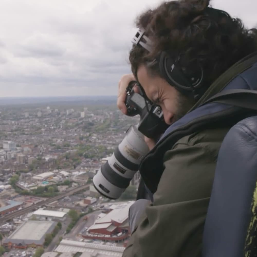 Condé Nast Traveler: Fly Over London with an Aerial Photographer