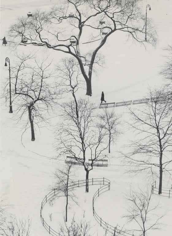 André Kertész, Washington Square, New York, 1954