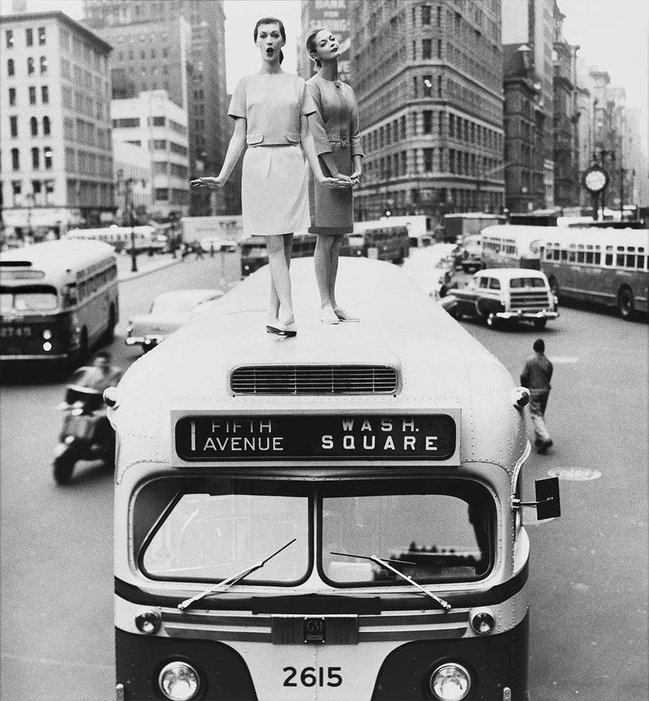 William Helburn, Bus Top, Dovima and Jean Patchett for Harper's Bazaar, December 1958, Madison Square, New York, NY, 1958