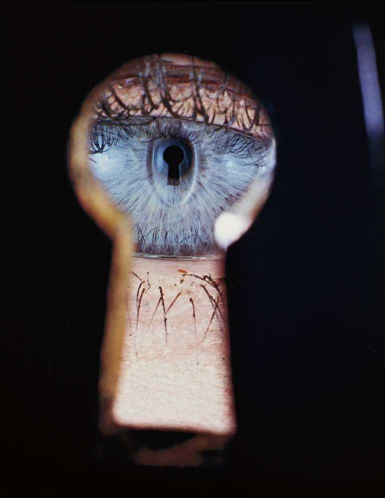 Irving Penn, Eye in Keyhole, New York, 1953