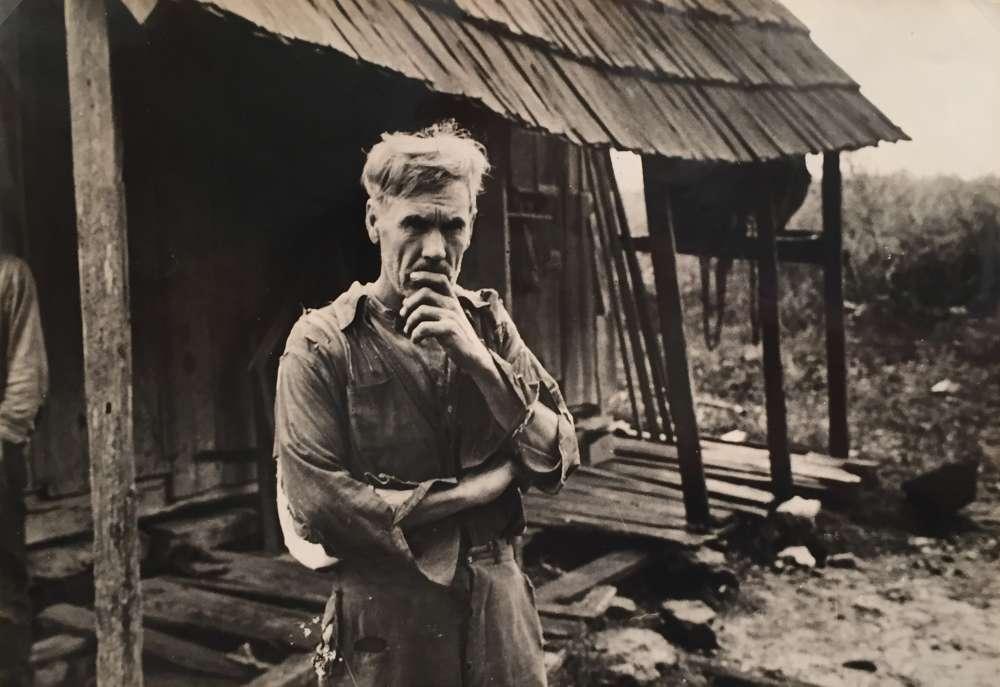 Ben Shahn, Sam Nichols, tenant farmer, Boone County, Arkansas, 1935