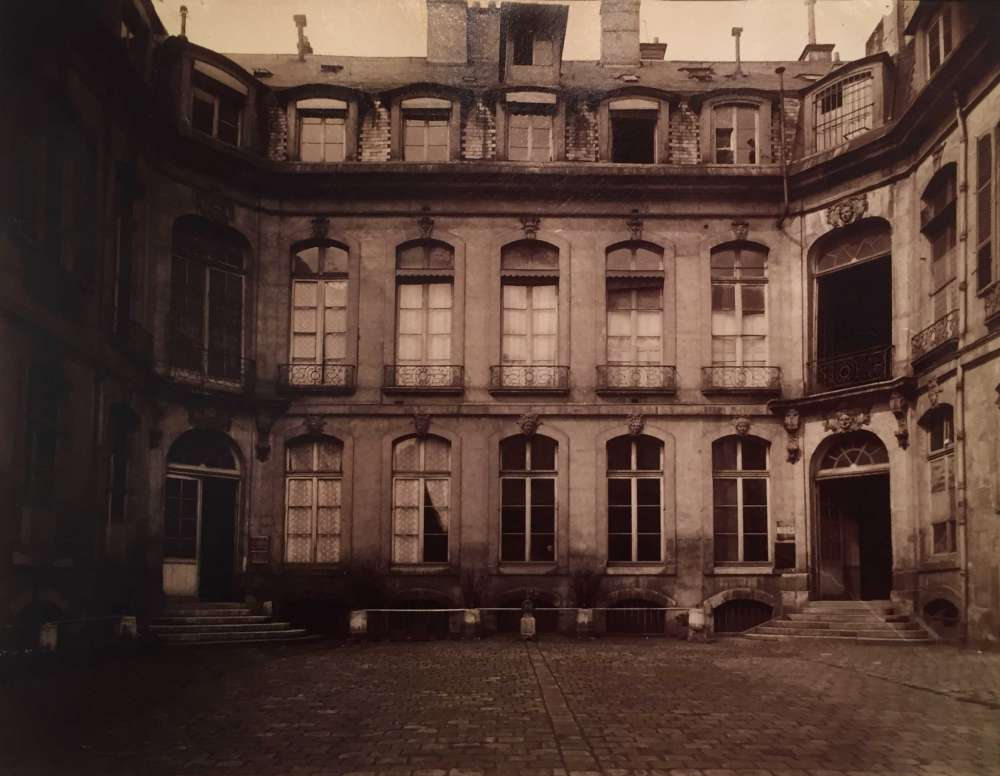 Eugene Atget, Hotel Mascarani, Rue Charlot 83 (3e), 1901