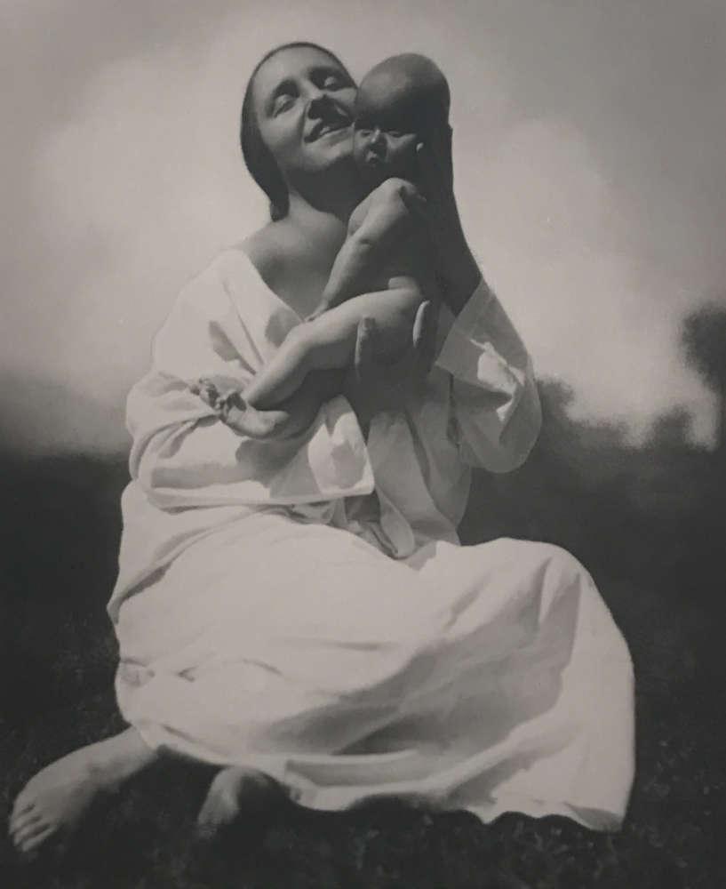 Rudolf Koppitz, Mutter und Kind, 1925