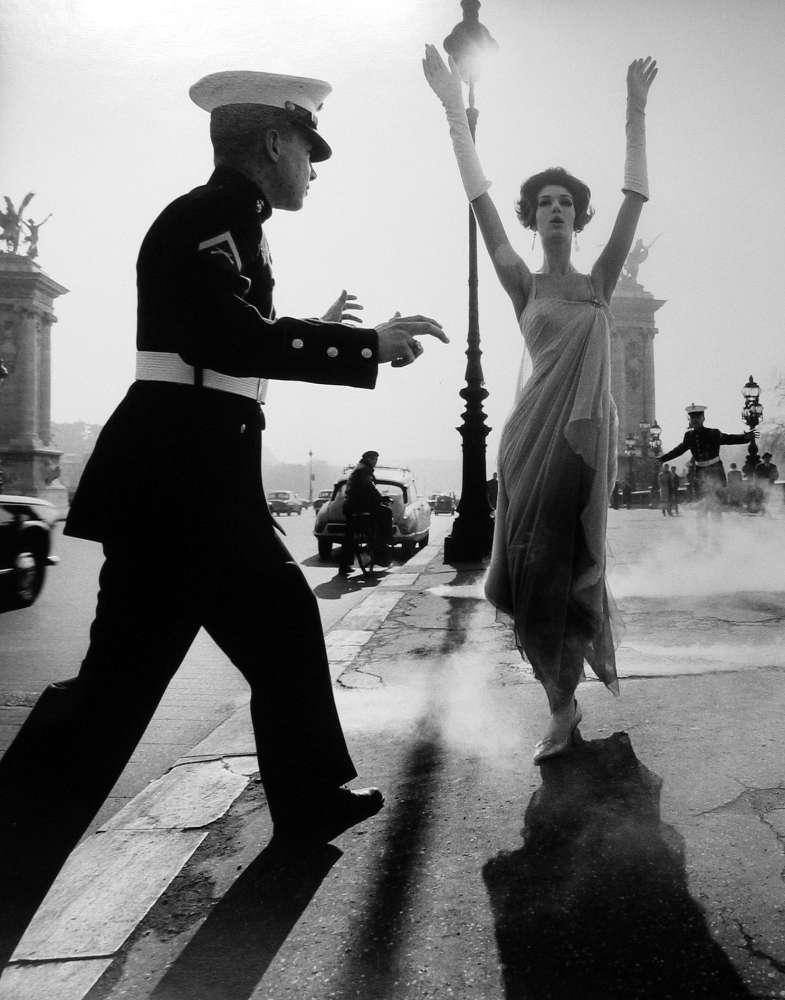 William Klein, Pont Alexander III, Paris, 1960