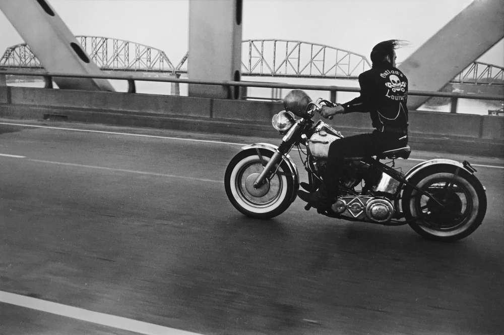 Danny Lyon, Crossing the Ohio, Louisville, 1966