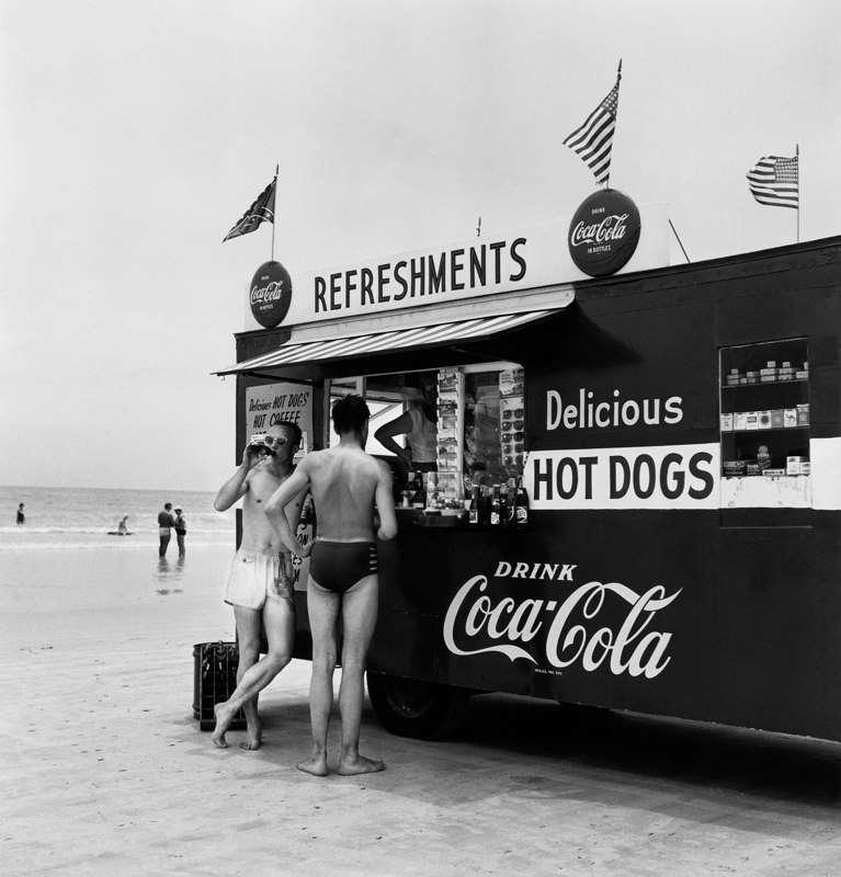 Berenice Abbott, Silky's Hot Stand, Florida, 1954