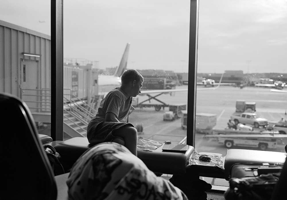 Mark Steinmetz, Atlanta Airport, February, 2012