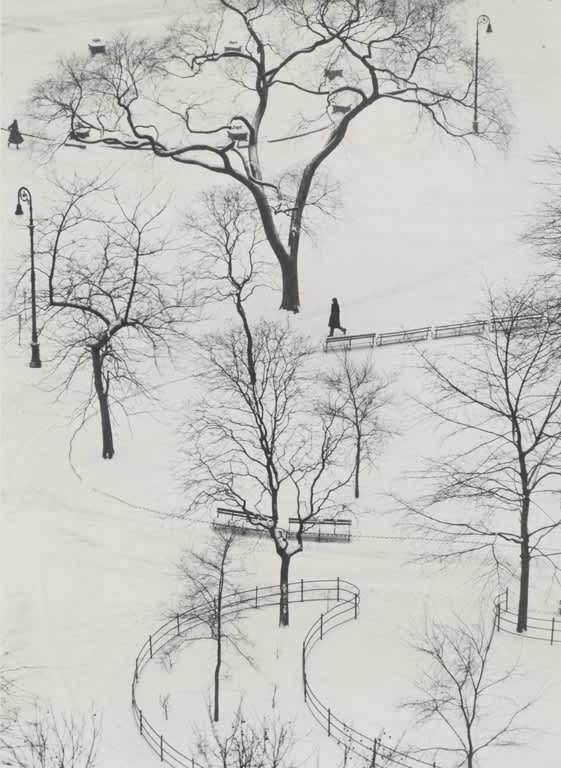 André Kertész, Washington Square, New York, 1954