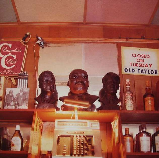 William Eggleston, Martin Luther King, JFK & RFK Decanters in Bar, 1971
