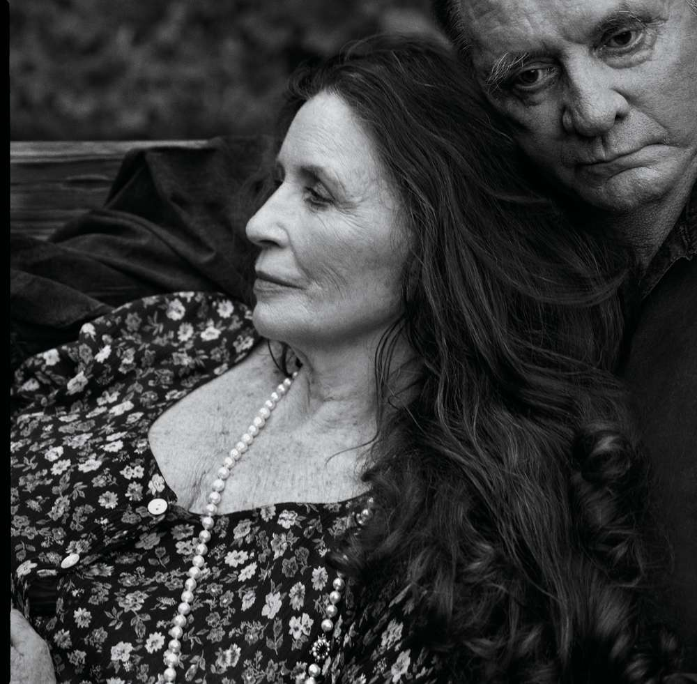 Annie Leibovitz, June Carter Cash and Jonny Cash, Hiltons, Virginia, 2001