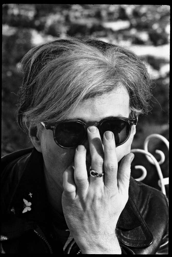 Steve Schapiro, Warhol Hand, Los Angeles , 1966