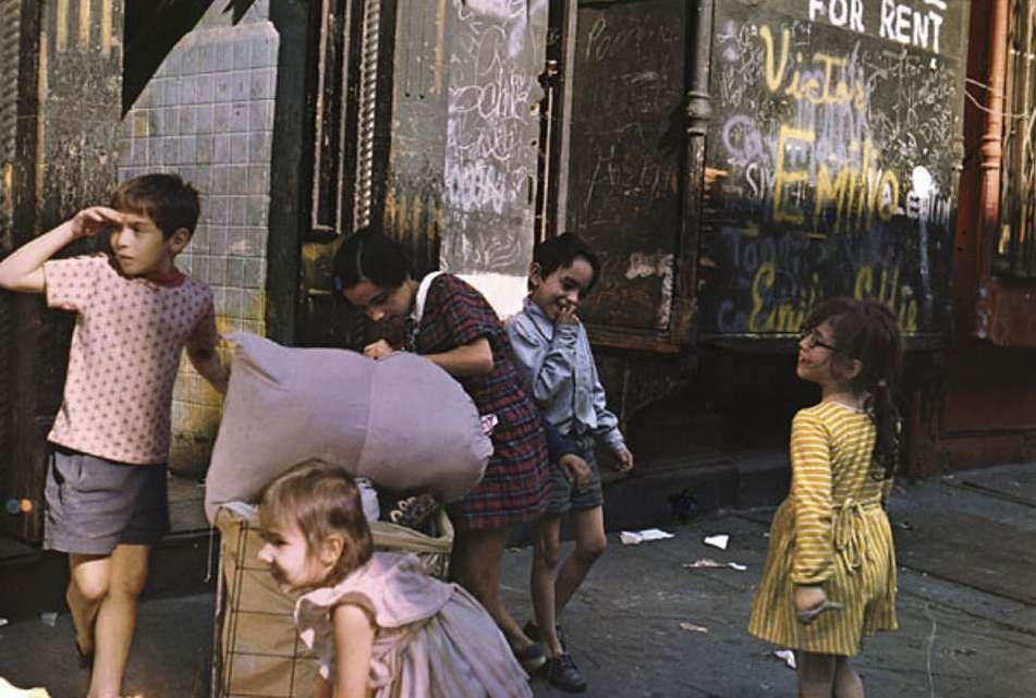 Helen Levitt, NY, 1972