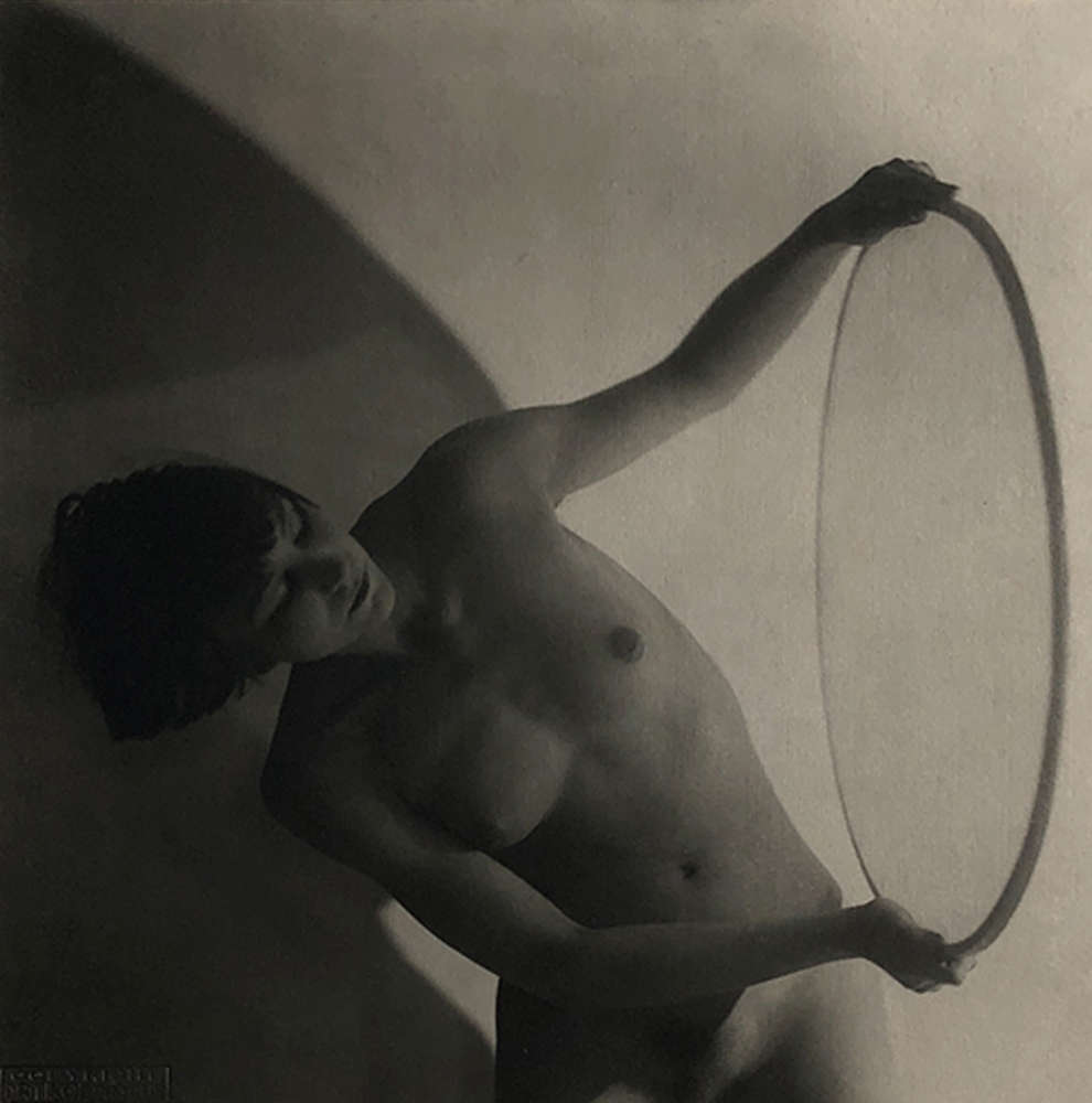 Frantisek Drtikol, Untitled (nude with ring), 1927