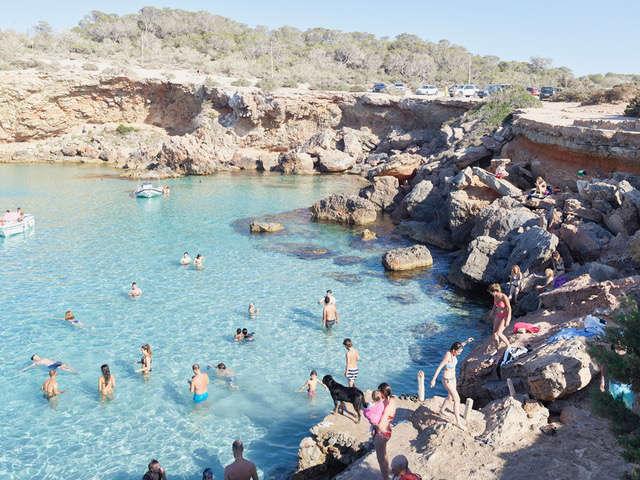 Massimo Vitali, Cala Conta Black Dog, Ibiza, D0015, 2016