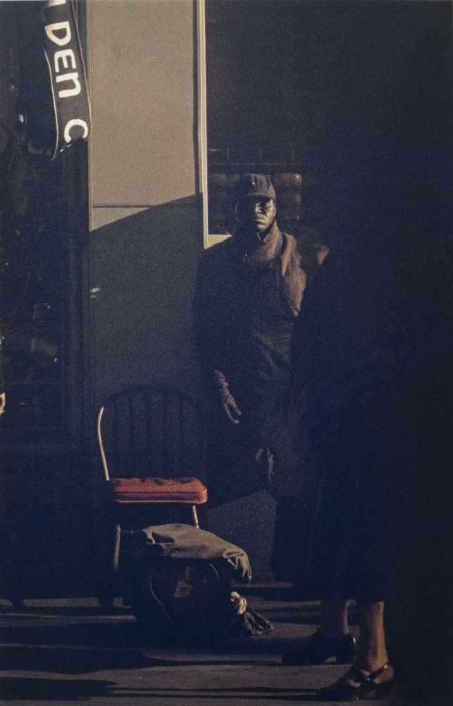Saul Leiter, Shoeshine Man, New York, 1950