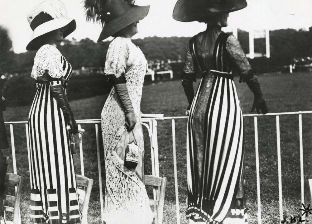Jacques-Henri Lartigue, Drag racing day at the Auteuil races, Paris, June 23, 1911