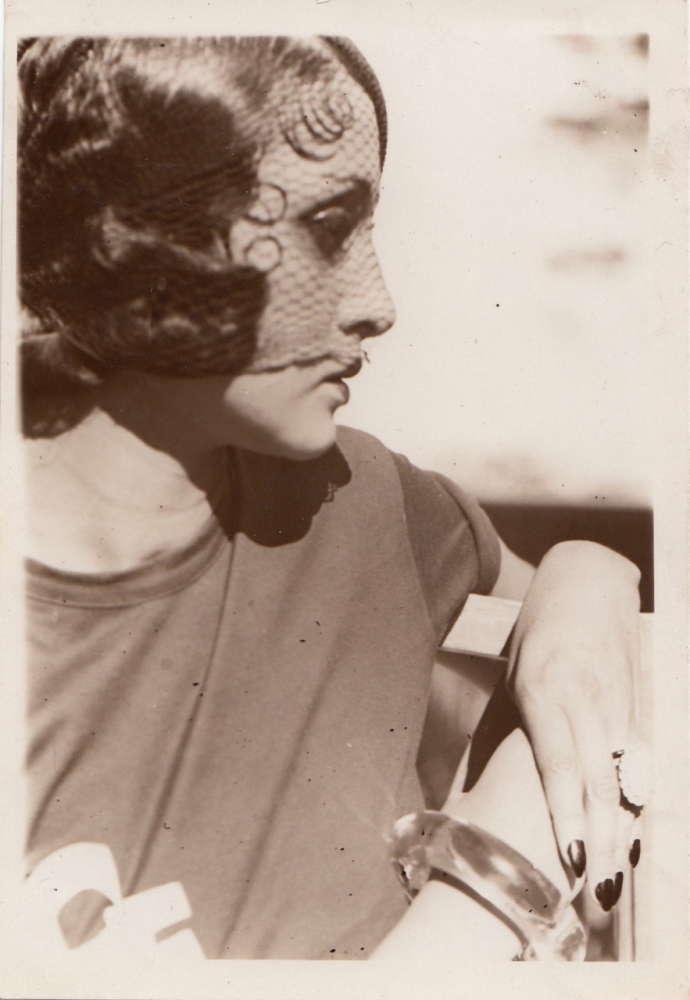 Jacques Henri Lartigue, Profil a la Voilette, ca. 1931