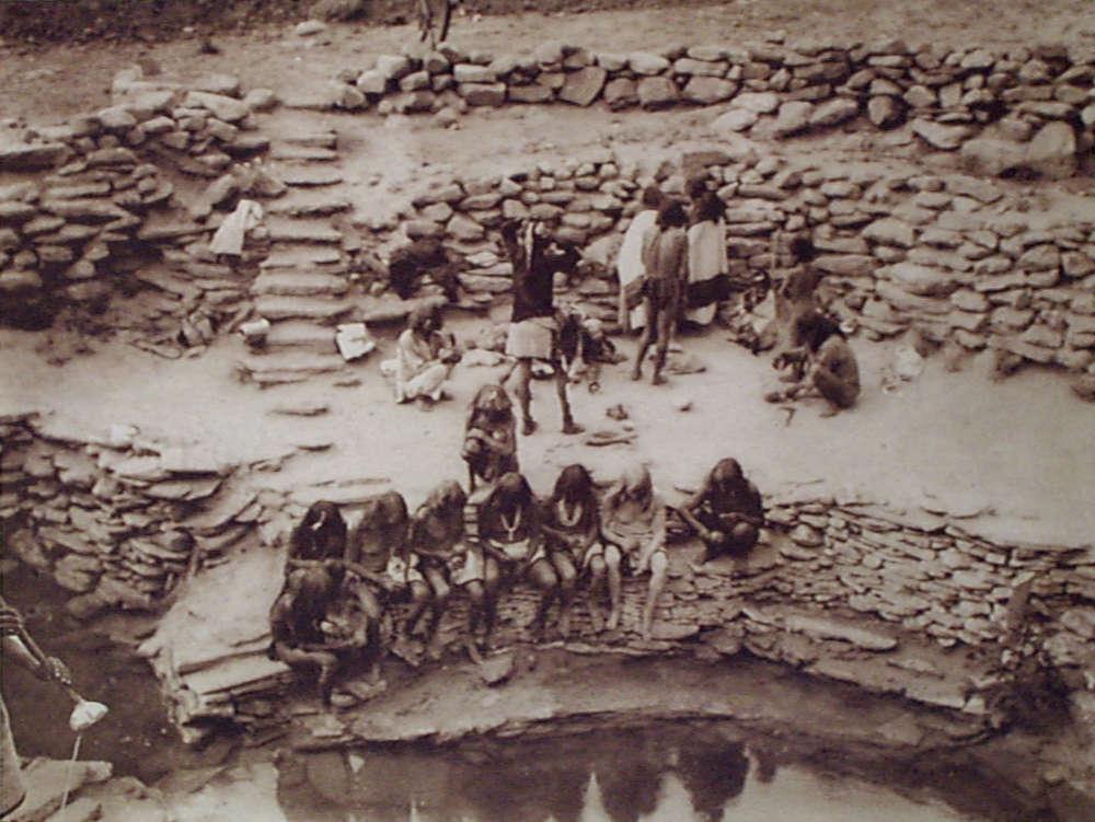 Edward S. Curtis, Flute dancers at Tureva spring, 1921