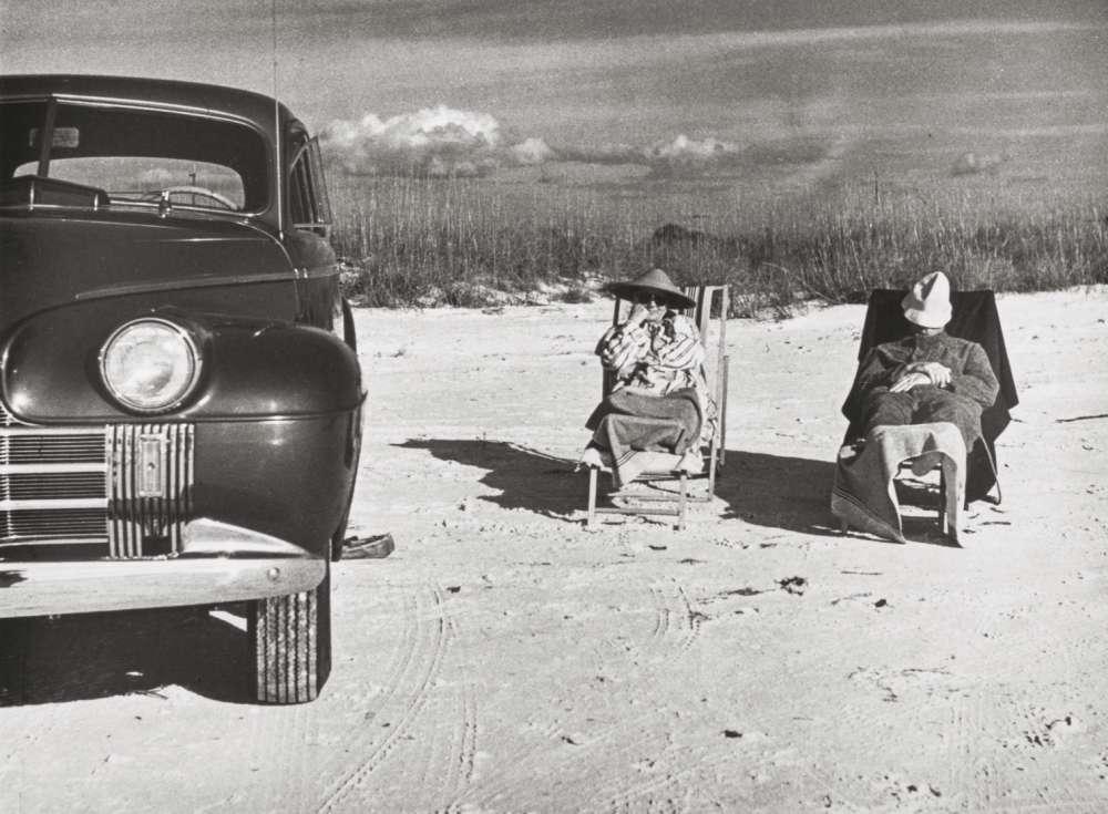 Marion Post Wolcott, Winter Tourists on Beach Near Sarasota Fla, 1939