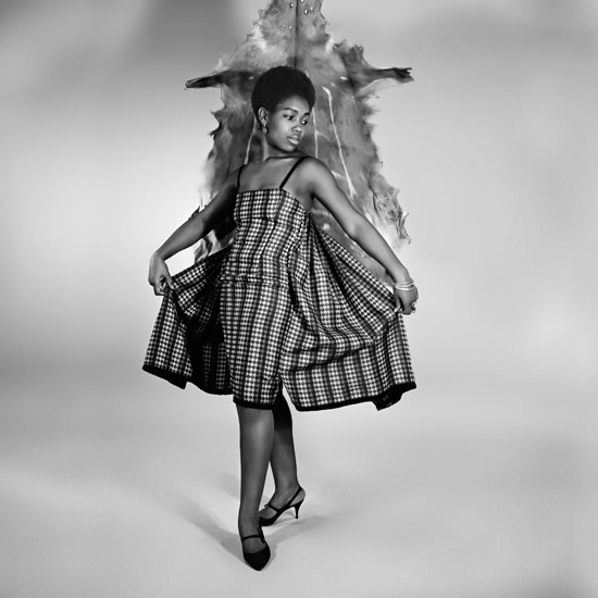 Kwame Brathwaite, Untitled (Nomsa Brath at Photoshoot at AJASS Studio) (1965). Archival pigment print, framed.