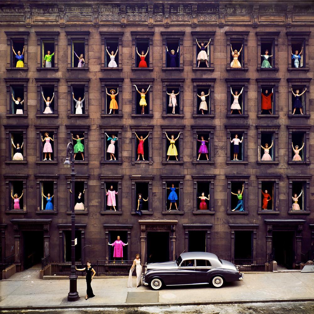 Ormond Gigli, Girls in the Windows, New York City, 1960