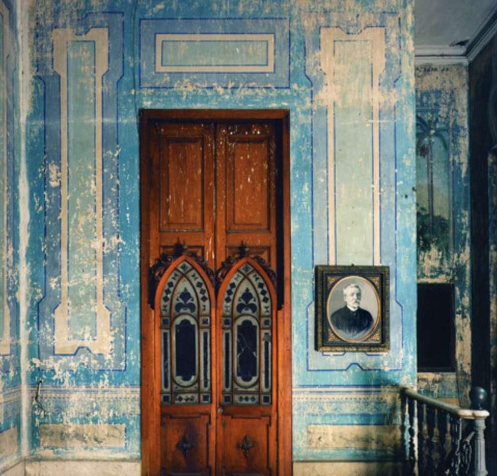Andrew Moore, Dr. Triolet, Matanzas, Cuba, 2000 - Artwork 27065