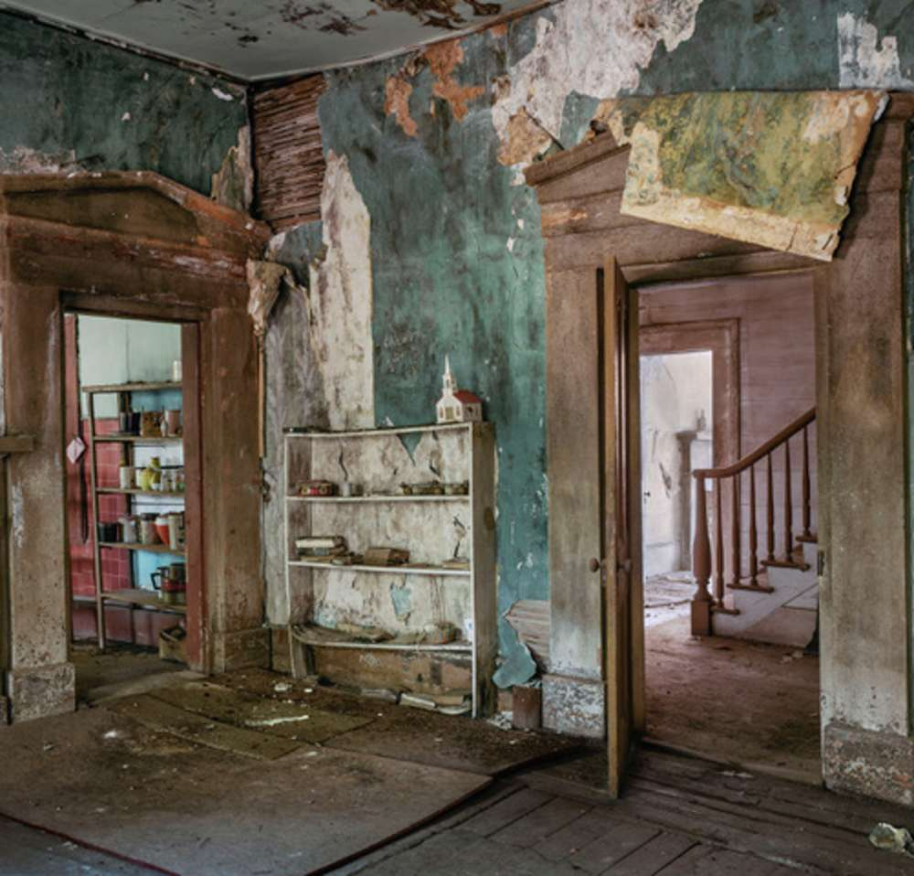 Andrew Moore, Gaines House, Dayton AL, 2016 - Artwork 32252