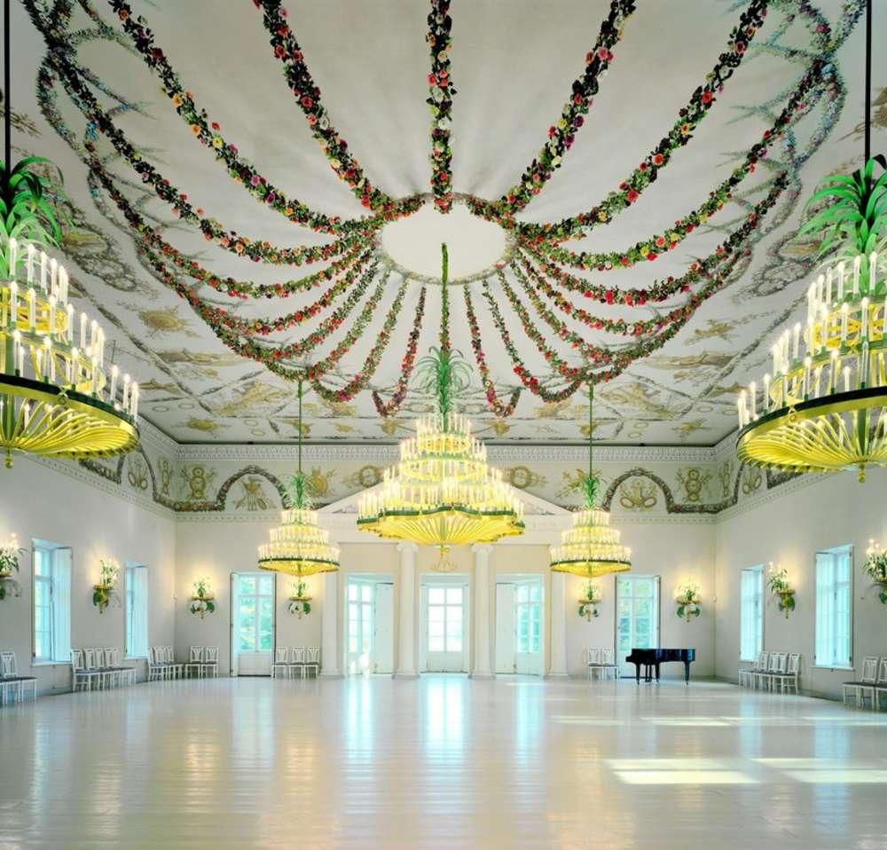 Andrew Moore, Rose Pavilion, 2001 - Artwork 32129