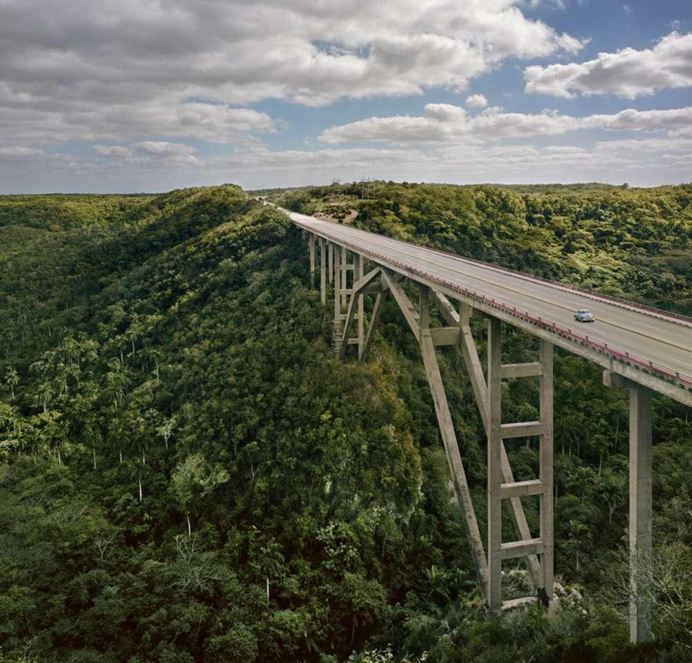Andrew Moore, Puente de Bacunayagua, Via Blanca, 2012 - Artwork 27059