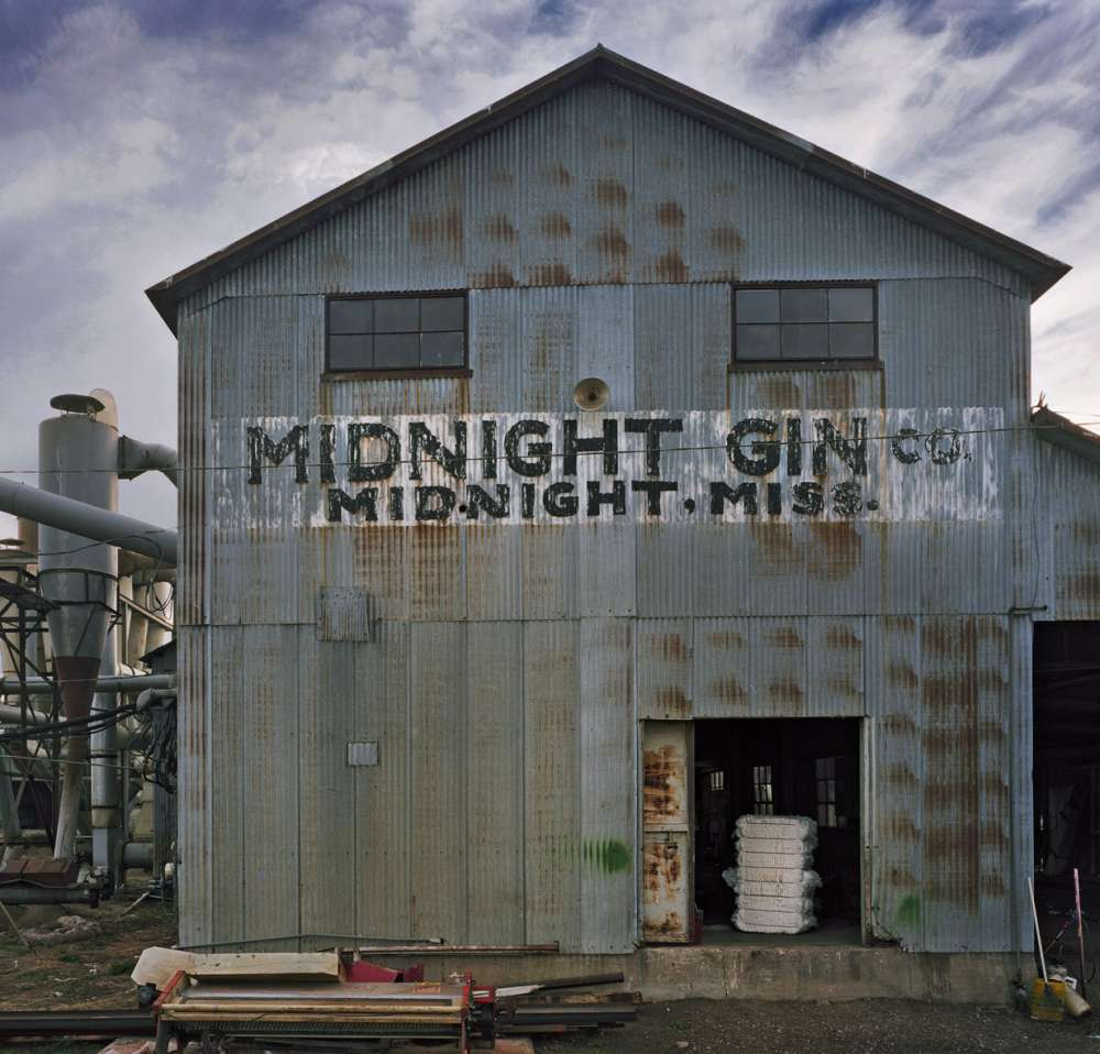 Andrew Moore, Midnight Gin, Midnight, MS, 2014 - Artwork 27050