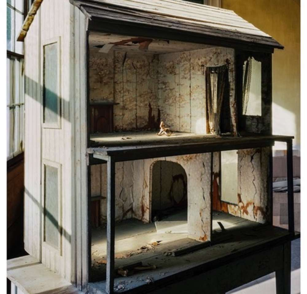 Andrew Moore, Dollhouse, Lyon Hall, Demopolis AL, 2016 - Artwork 32263