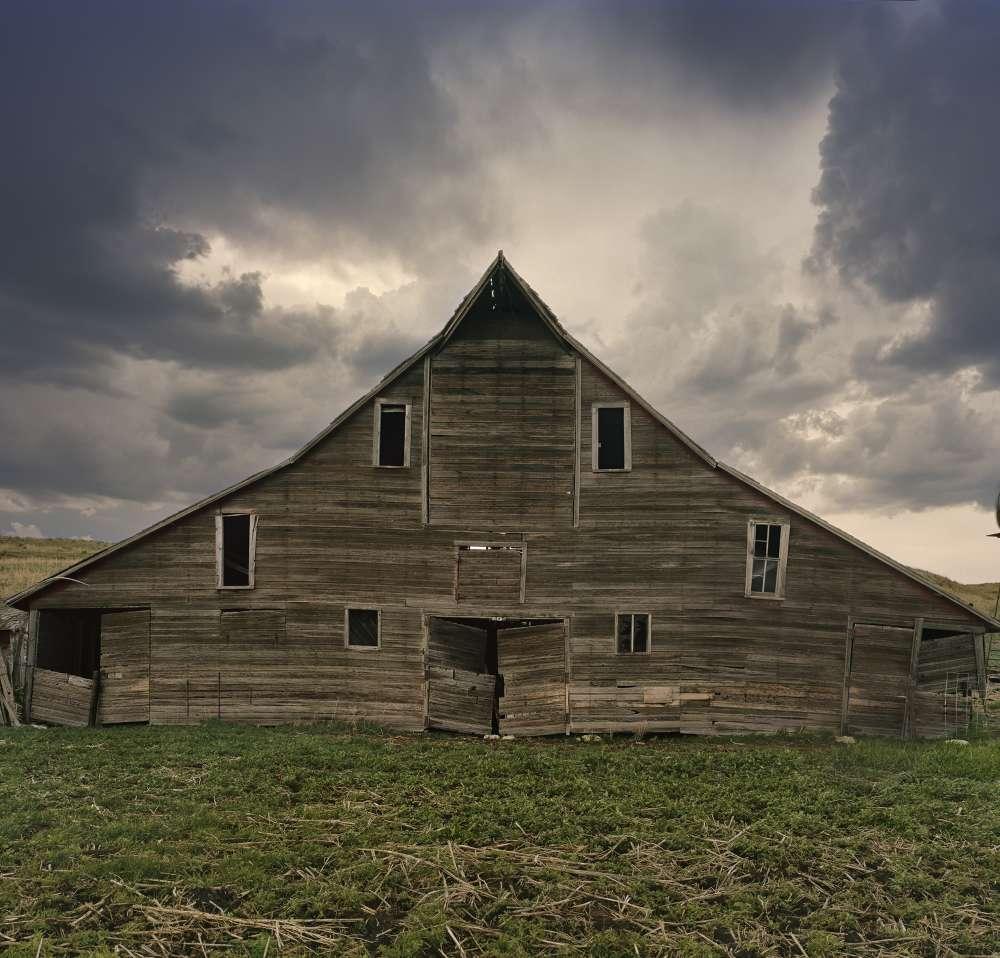 Andrew Moore, Cash Meier Barn, Cherry Country, Nebraska, 2011 - Artwork 27115