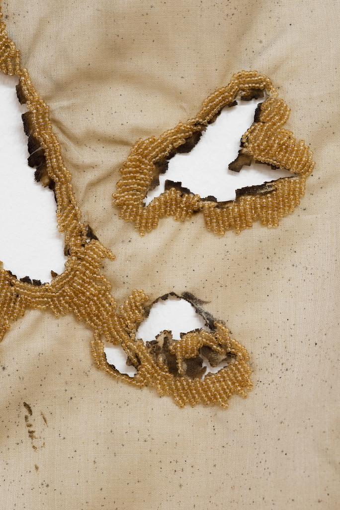 Tuch (Loch II) / Cloth (Hole II)