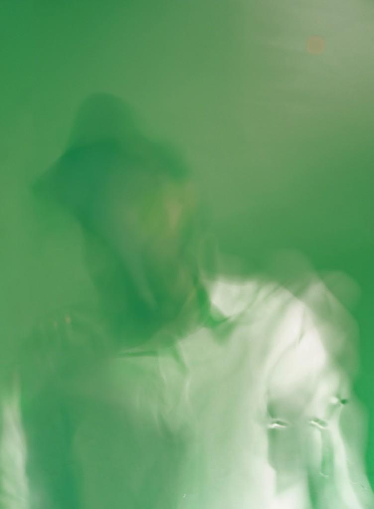 Autoritratto su Menta (con Camicia Bianca) / Self-portrait on Mint Syrup (with white shirt)