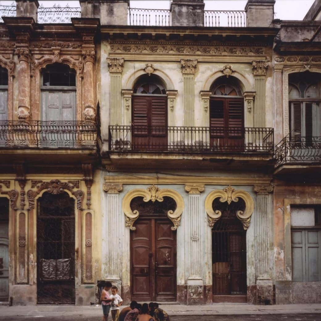 Robert Polidori, Avenida San Lazaro #1, Havana, Cuba, 1997