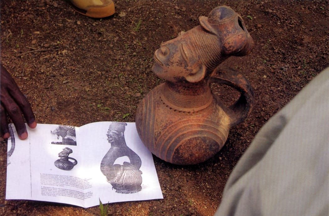 """Image courtesy of Lorenz Homburger, 2 March 2006. Published in: Homberger (Lorenz) and Christine Stelzig, """"Contrary to the Temptation!. An Appeal for New Dialogue Among Museums and Collectors, Scholars, and Dealers"""" in African Arts, Vol.XXXIX, #2, Summer"""