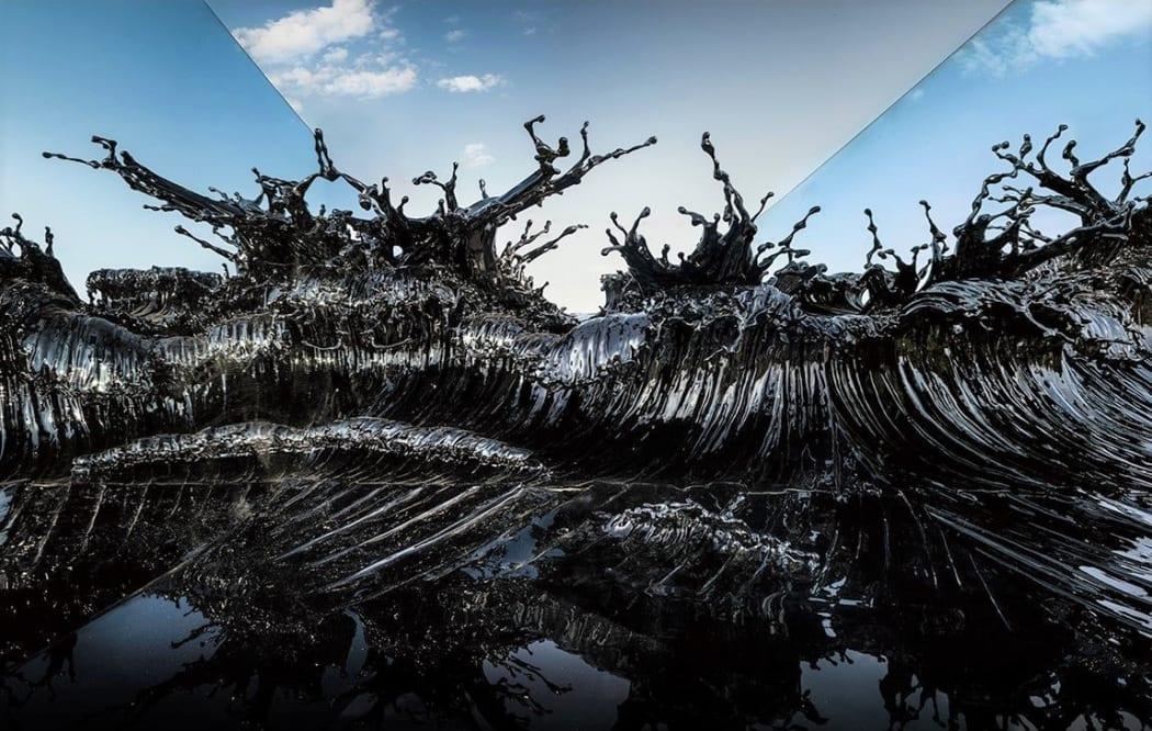 Zheng Lu,Shiosai, 2015, Stainless Steel, Lacquer, 384 x 200 x 200 cm