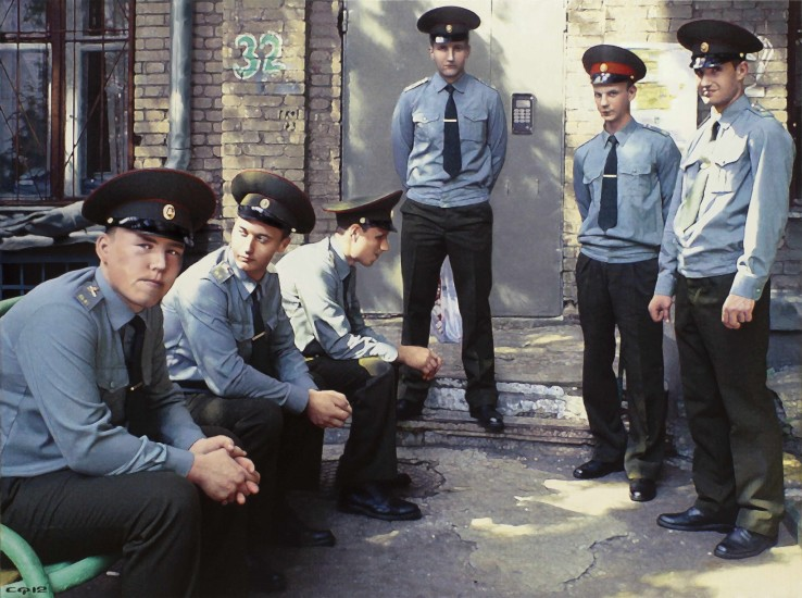 <p><span>Semyon Faibisovich</span><br /><span>Servicemen from the cycle MY YARD, 2013</span></p>