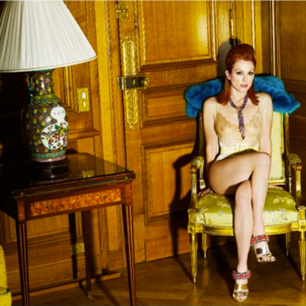 Julianne Moore at the Crillon Hotel, Paris 2008
