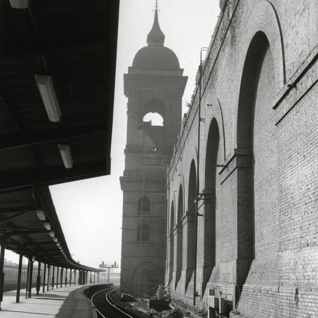Dorothy Bohm, Cannon Street Station, London, 1960s