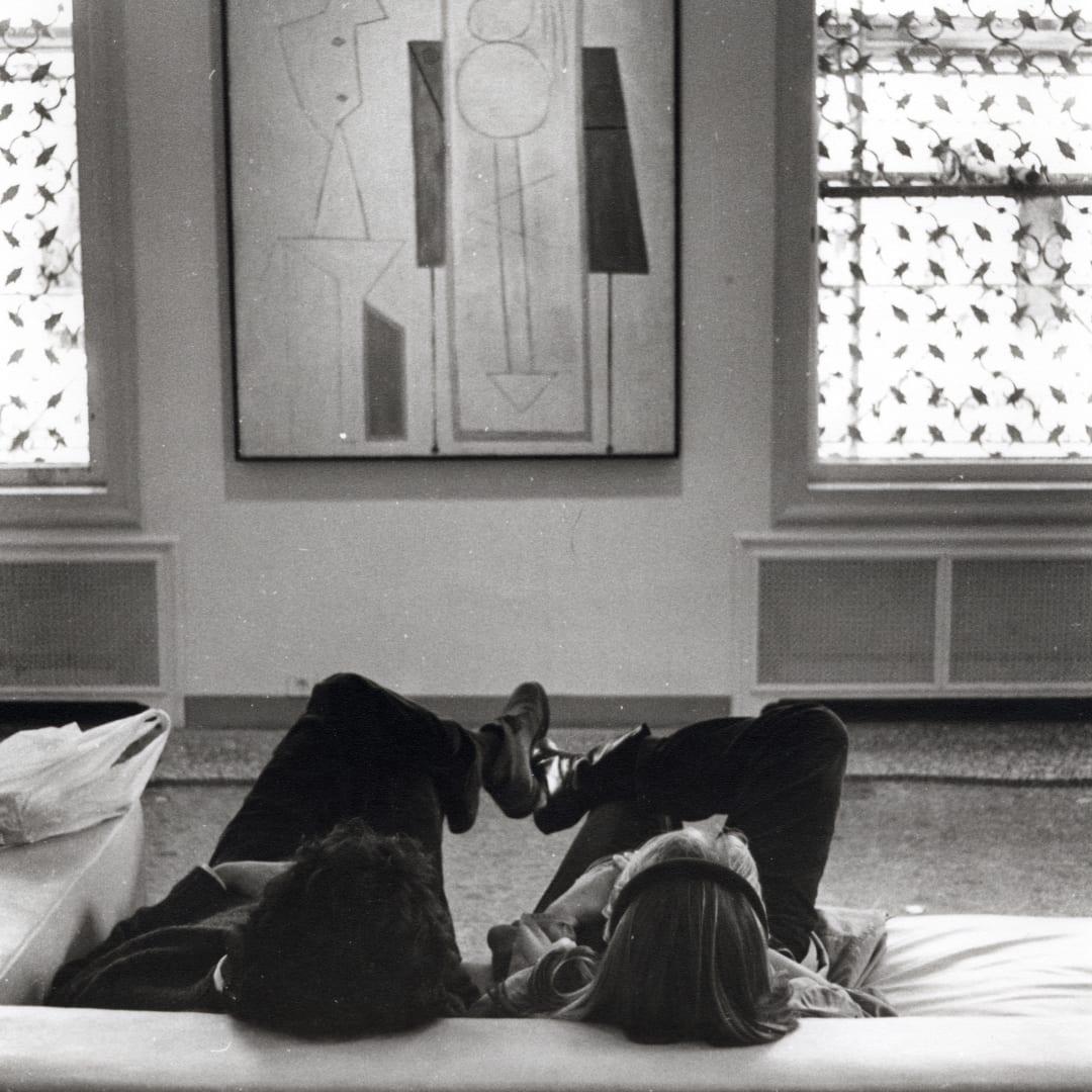 Dorothy Bohm, Peggy Guggenheim Collection, Venice, 1982